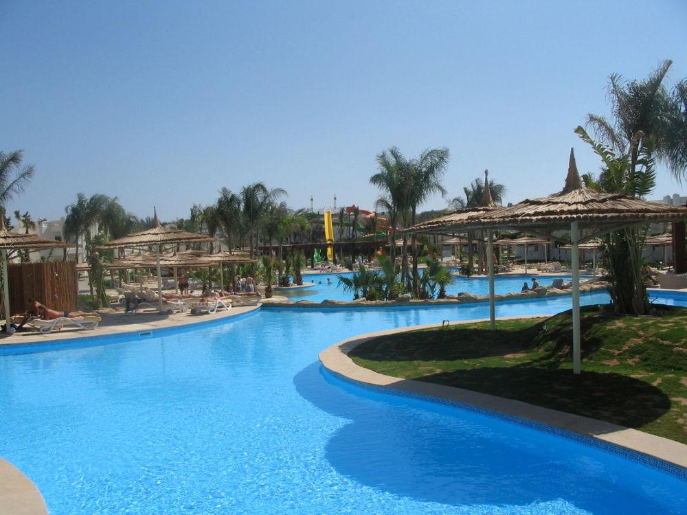 Santa Caterina - гостиница курортная 3-звездочная.