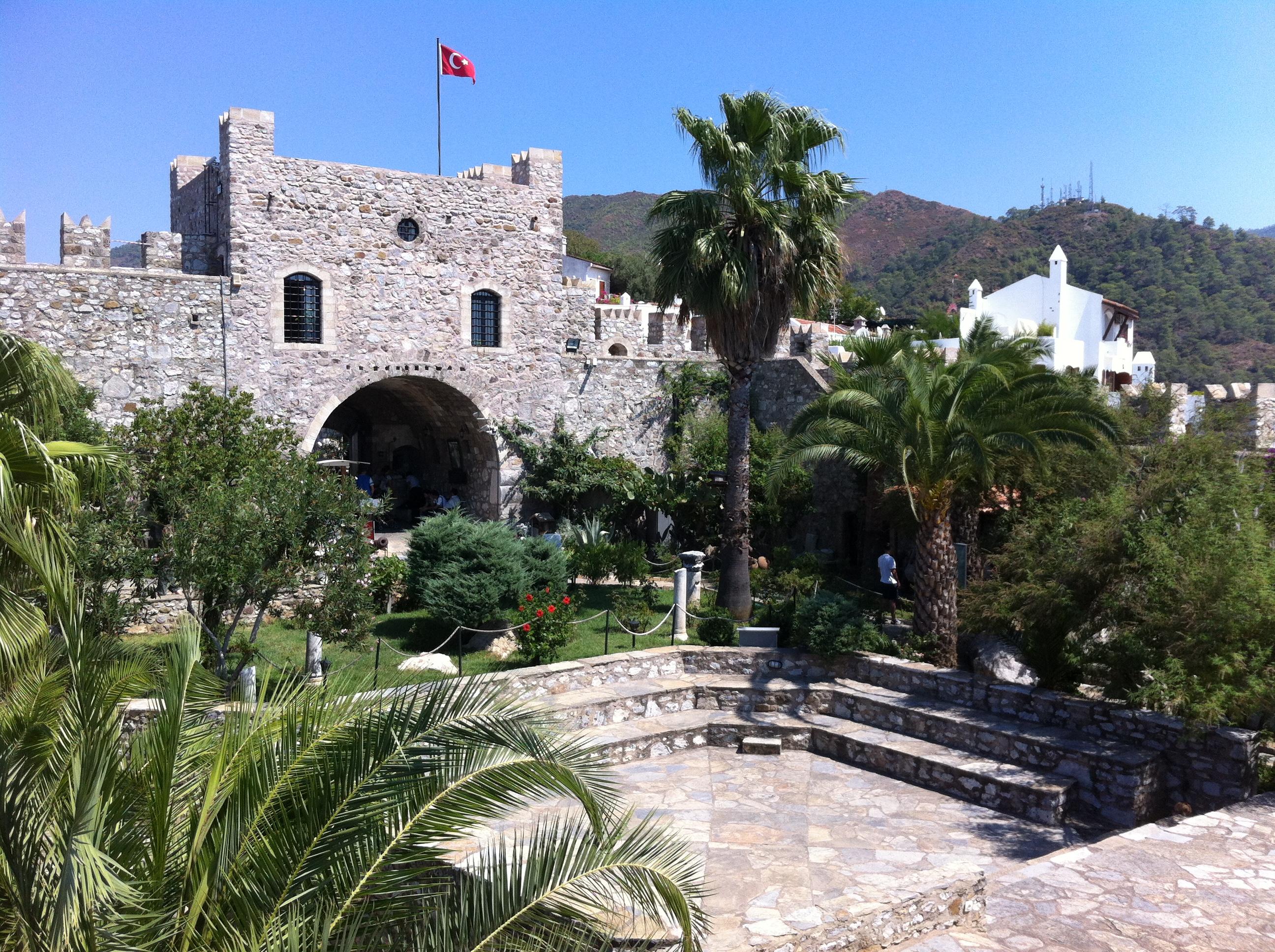 Прогулка по замку Мармариса
