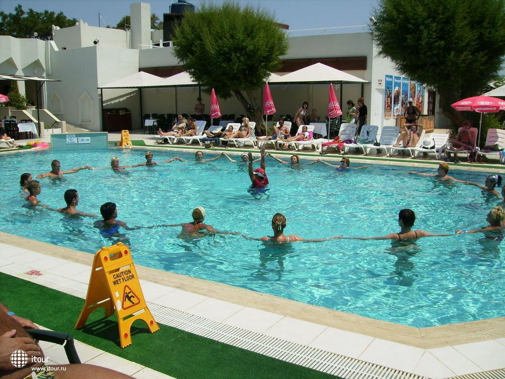 CLUB SARDUNYA & PETUNYA, Турция