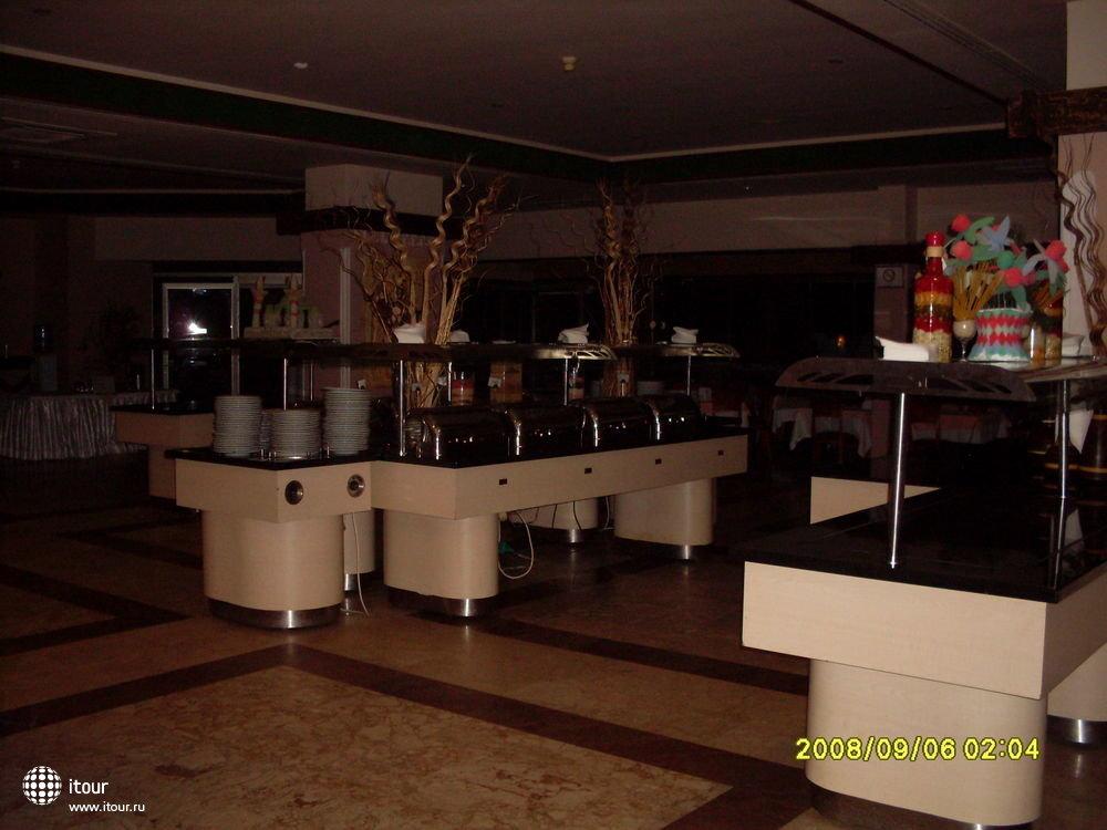 Отель глубокой ночью (dining-room)