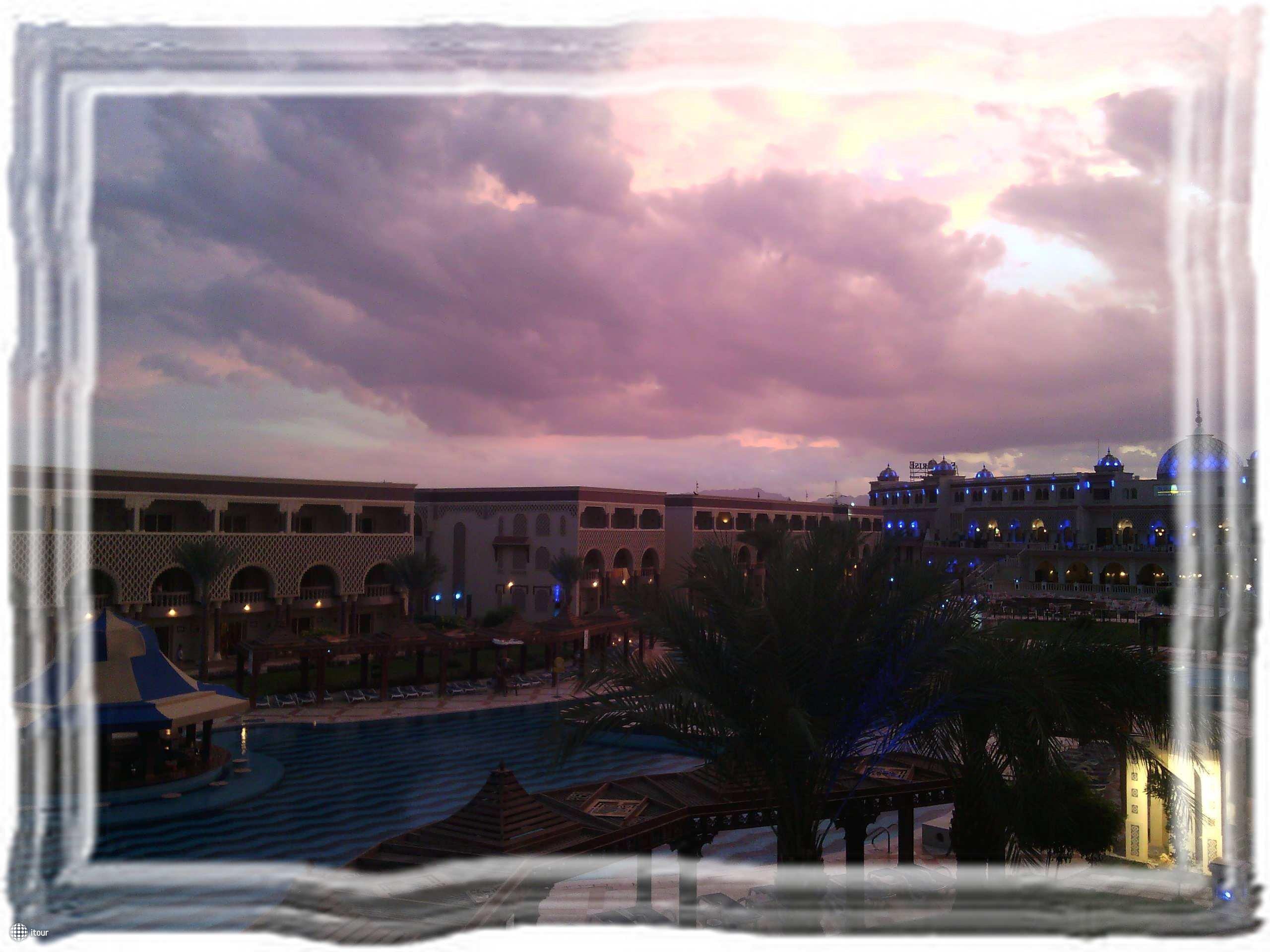 Вечером с балкона
