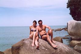 о. Пенанг - Робинзон и Пятница на диком пляже