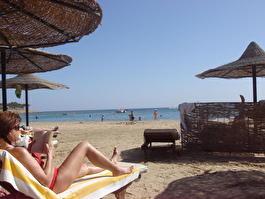 Пляж со стороны песчного пляжа
