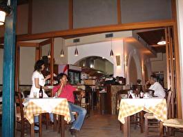 Ресторан <<Эллада>>. Гости разошлись, хозяева отдыхают (IMG_4370.jpg)