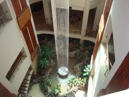 Фонтанчик в центре отеля