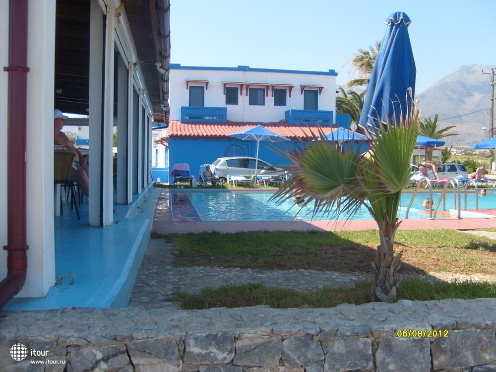 mari-beach--174222