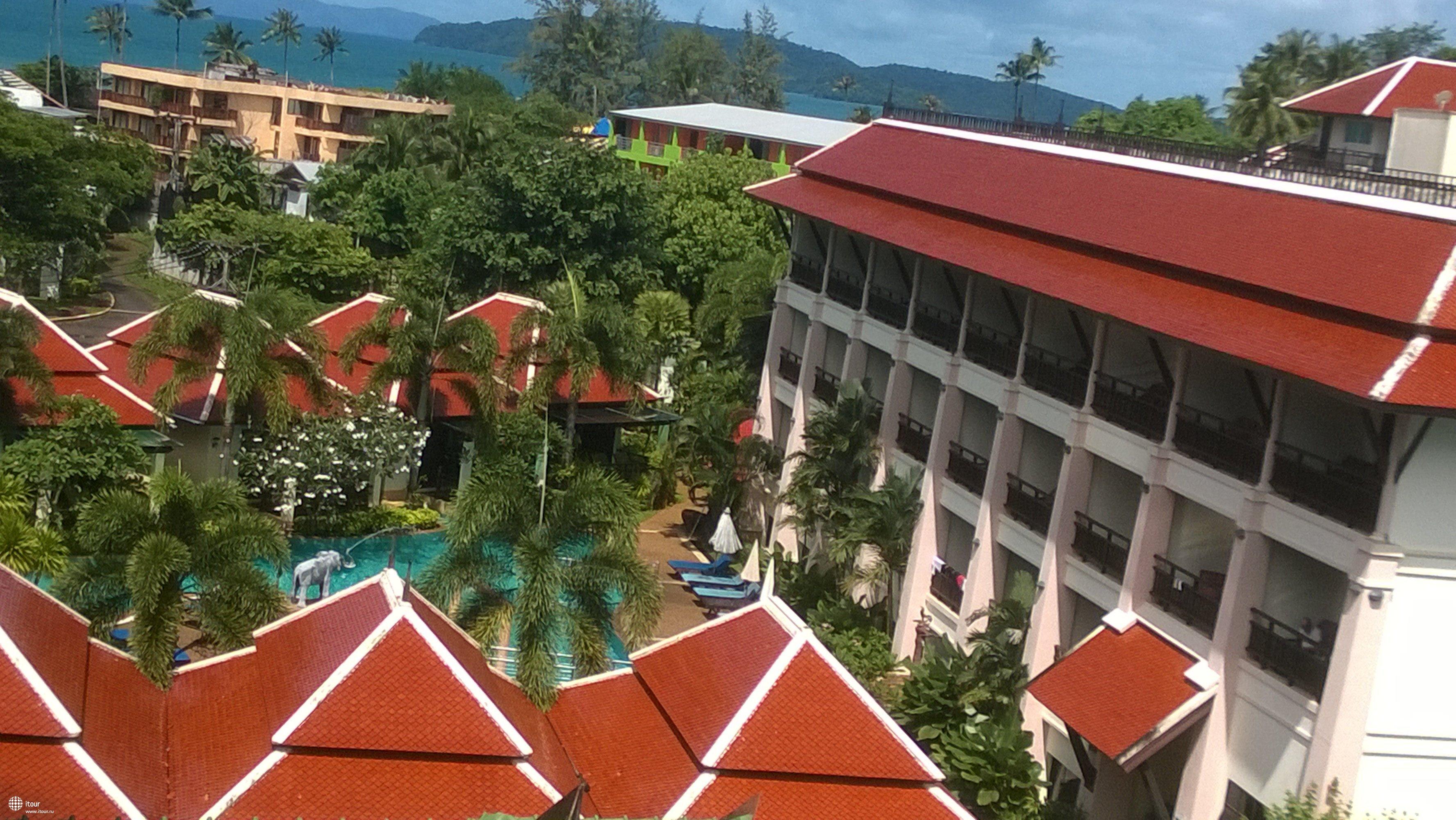 Вид на соседний отель