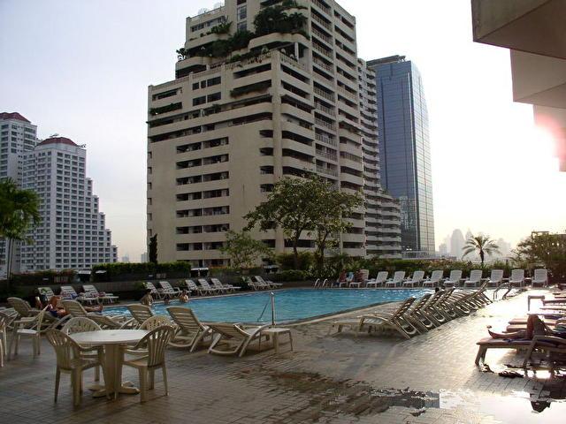 бассейн отеля REMBRANDT, Таиланд
