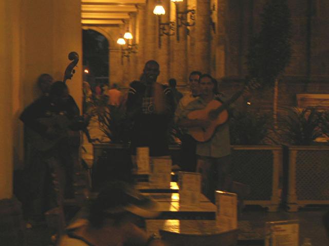 живая музика в отеле INGLATERRA, Куба