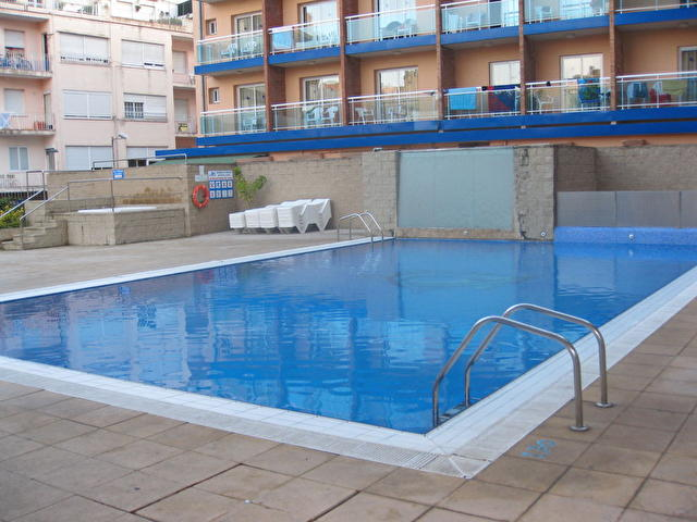 бассейн отеля Festa Brava