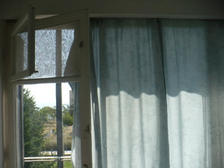 окно, выход на балкон в номере