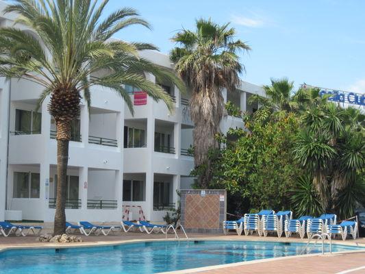 ola-cecilia-club-apartamentos один из корпусов