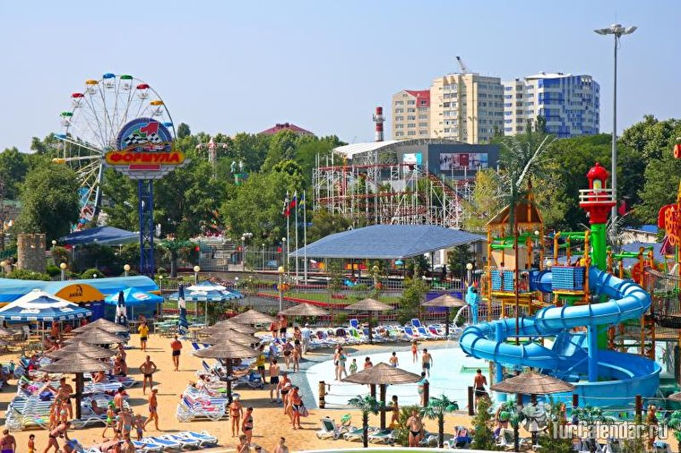 Предлагаем отдых в частном секторе Анапы в самом центре курорта. К услугам отдыхающих предлагаются 1-6 местные номера со всеми удобствами  у самого моря. Наш сайт с ценами и фотографиями жилья http://anapagorkogo11.ru