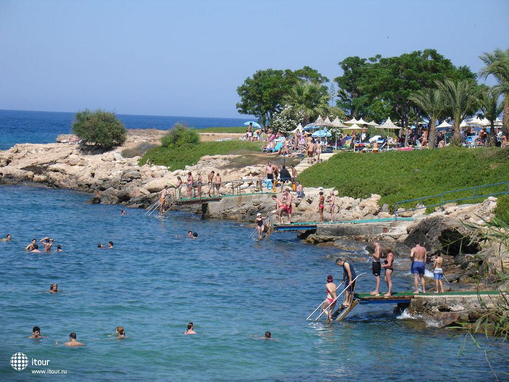 NAUSICAA BEACH apts., Кипр