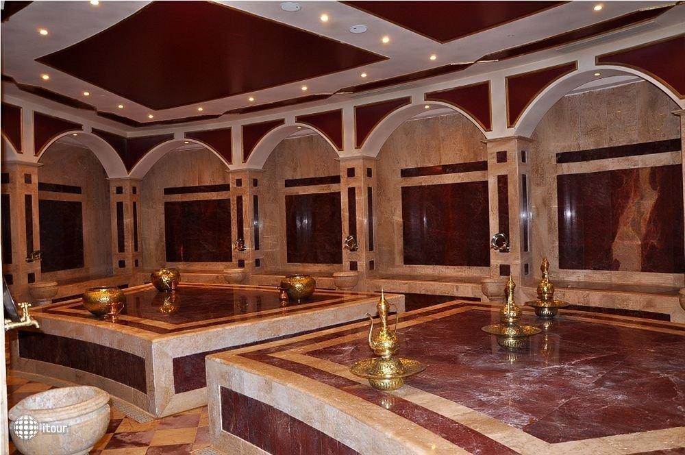 Golden Five Sapphire Suites 10
