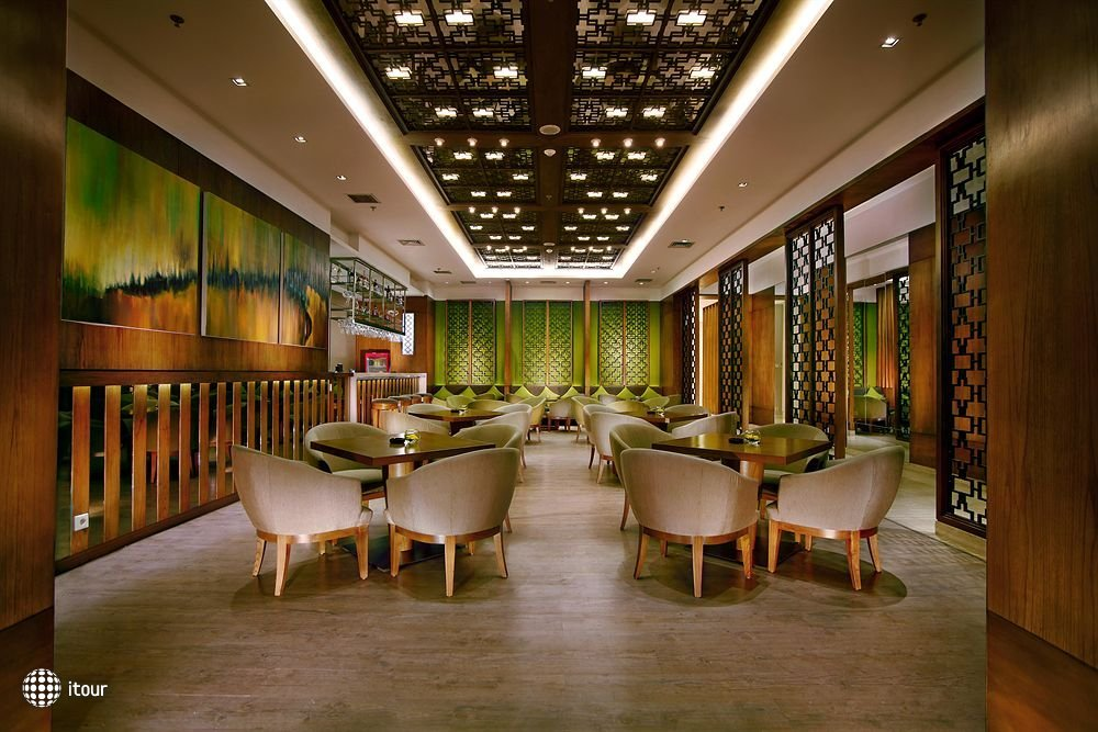 Grand Whiz Hotel Kelapa Gading 6