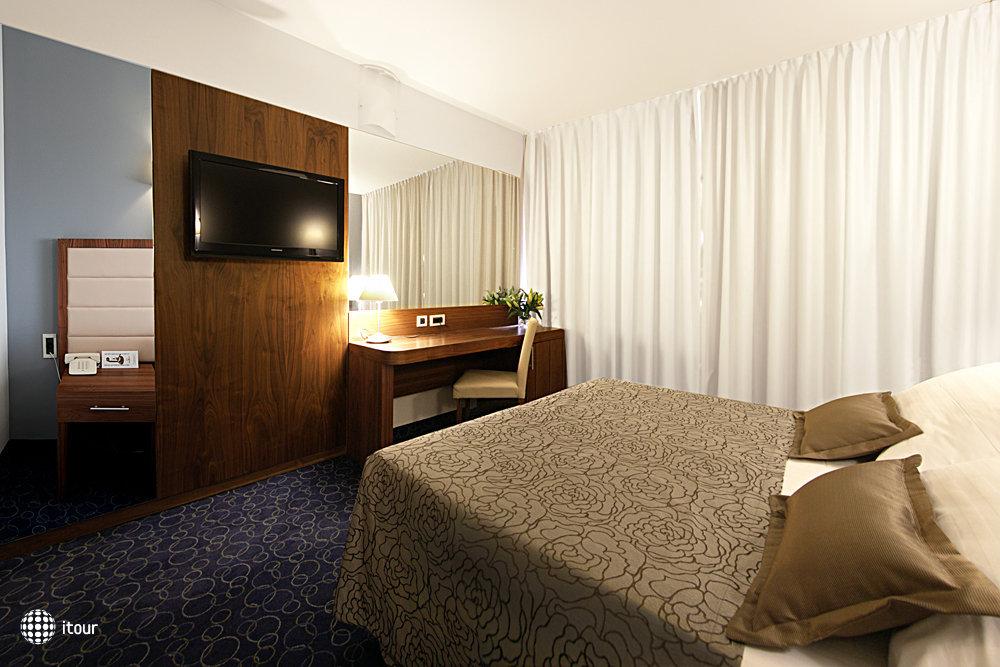 Hotel Lero 8