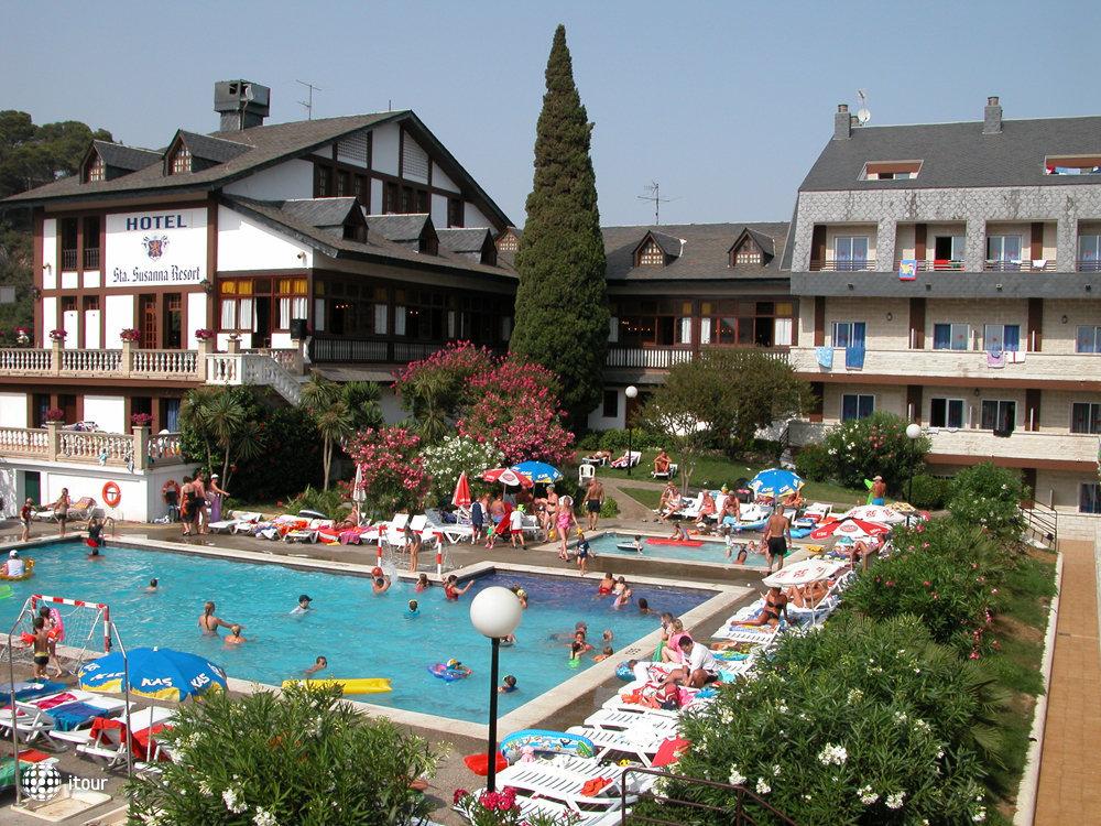Santa Susanna Resort 1