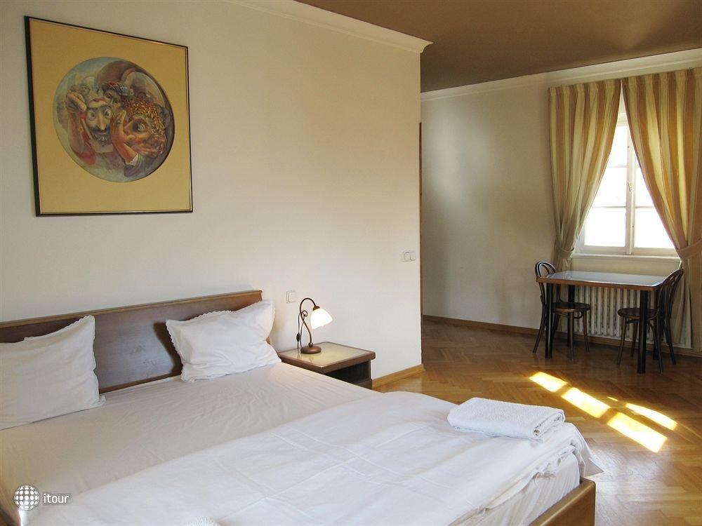 Residence Thunovska 19 1