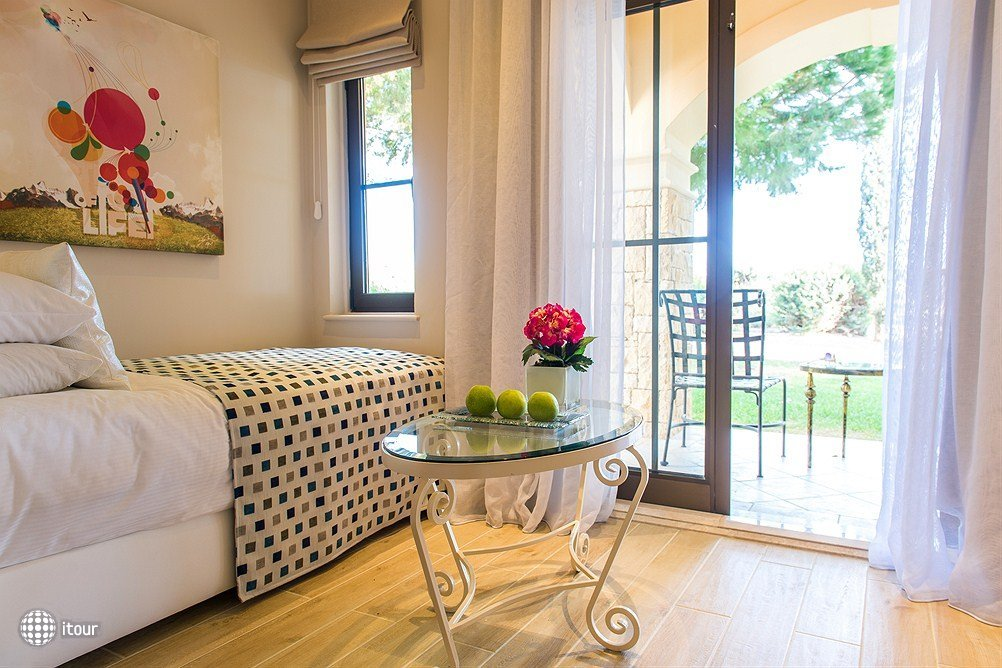 Atlantica Sensatori Aphrodite Hills Resort 8