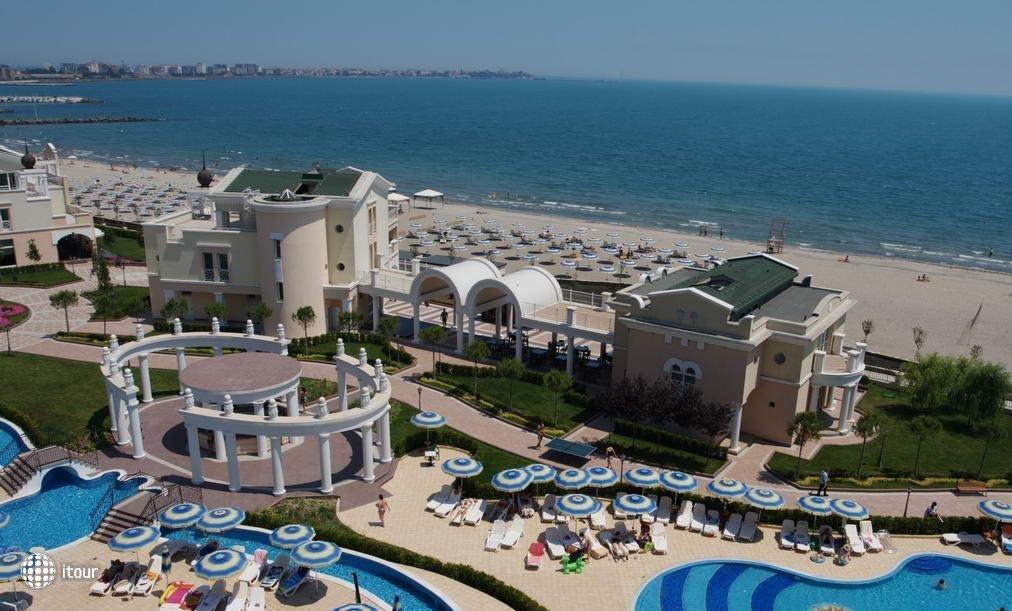Sunset Resort 8