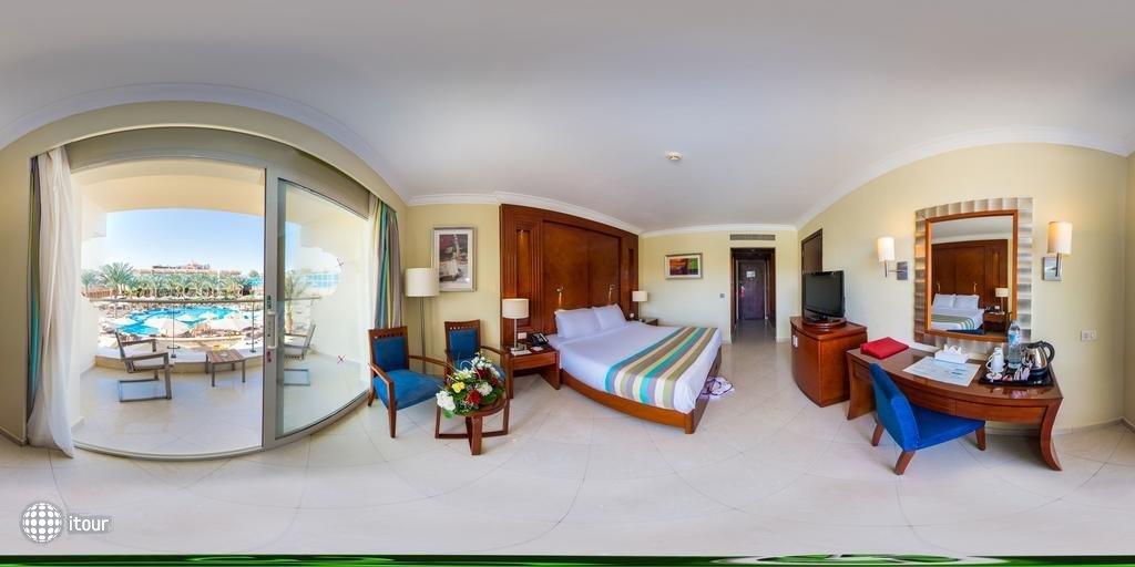 Xperience Sea Breeze Resort 10