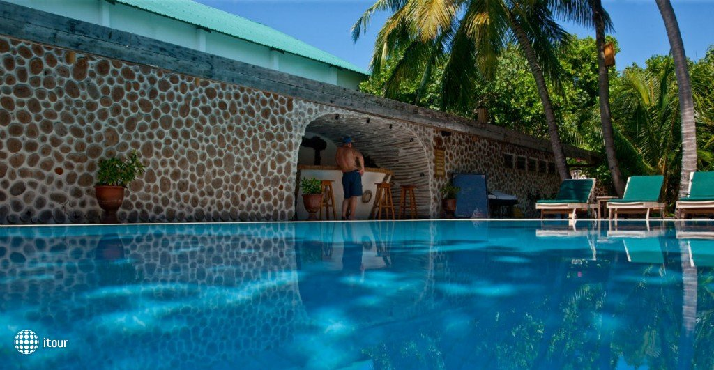 Reethi Beach Resort 10