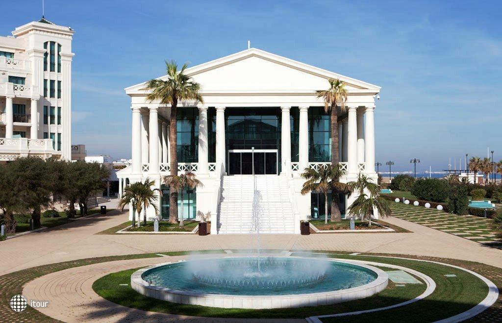 Las Arenas Balneario Resort 8