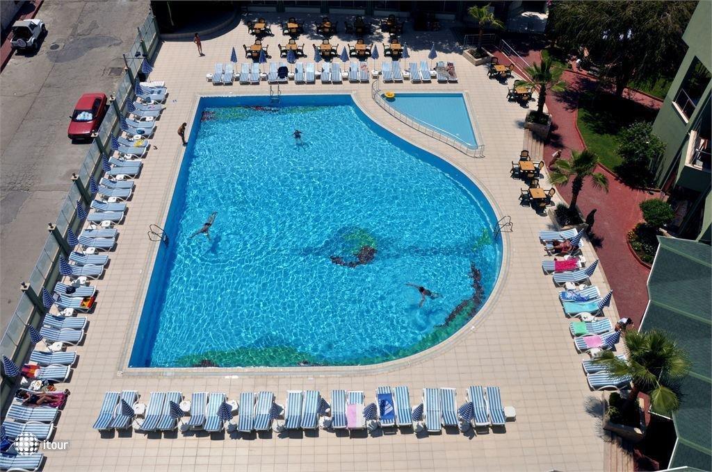 Ananas Hotel 8