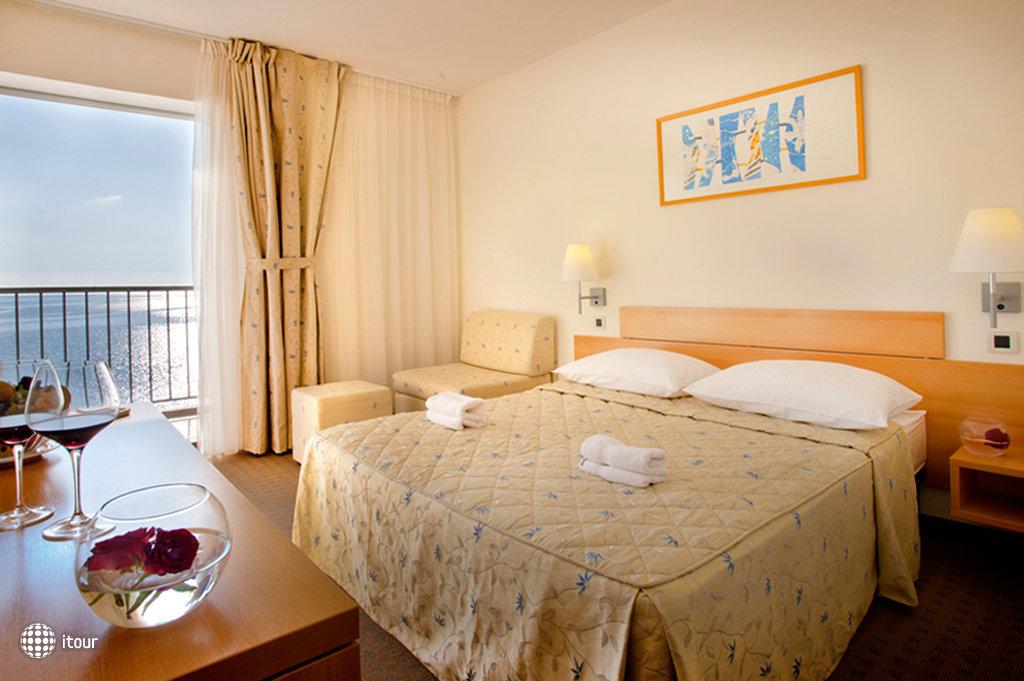 Hotel Feral 6