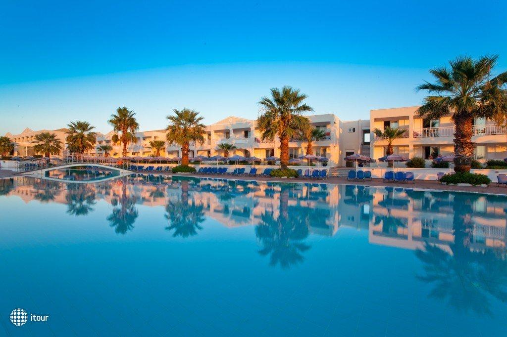 Aquis Sandy Beach Resort 9