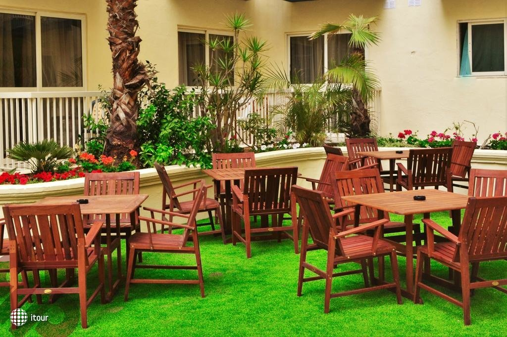 Qawra Palace Hotel 6