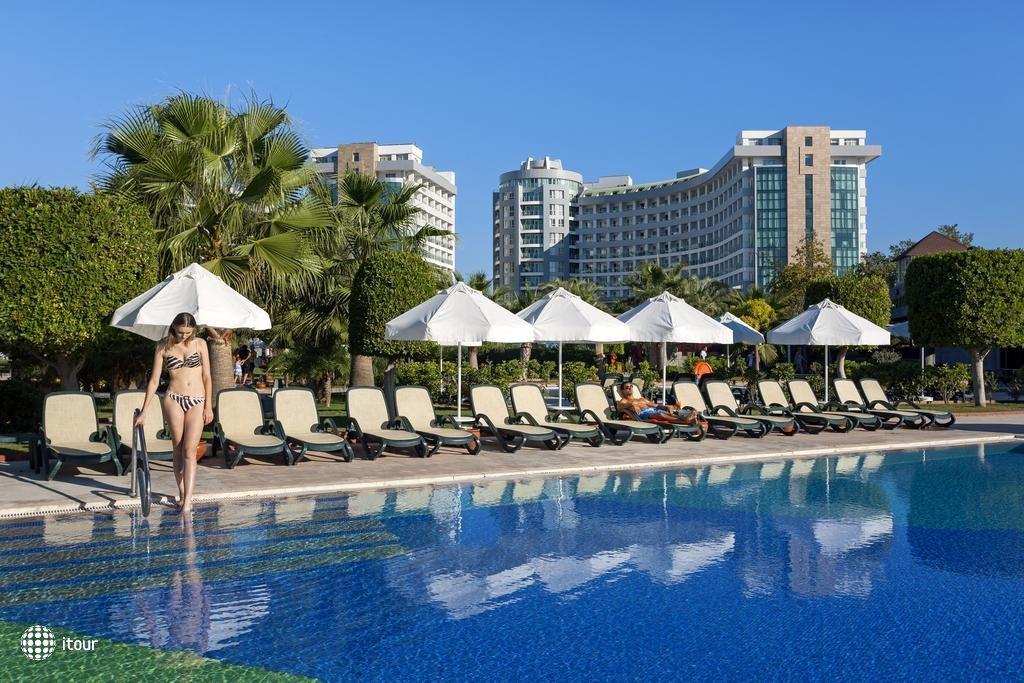 Sherwood Breezes Resort 4