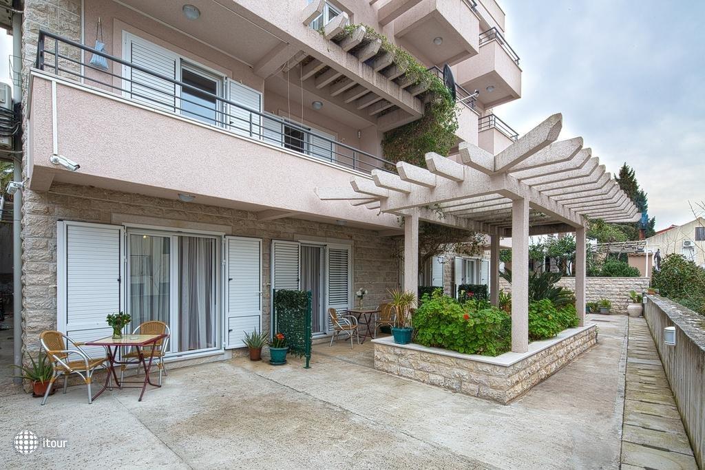 Holiday Villa  3