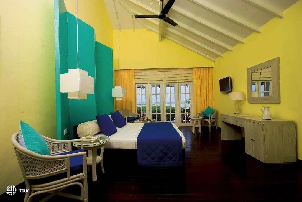 Adaaran Select Meedhupparu Island Resort 10