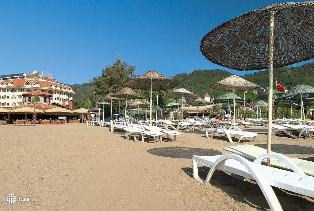 Fortuna Beach 10