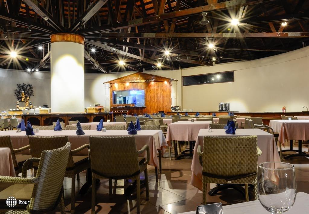 Berjaya Beau Vallon Bay Resort & Casino 7