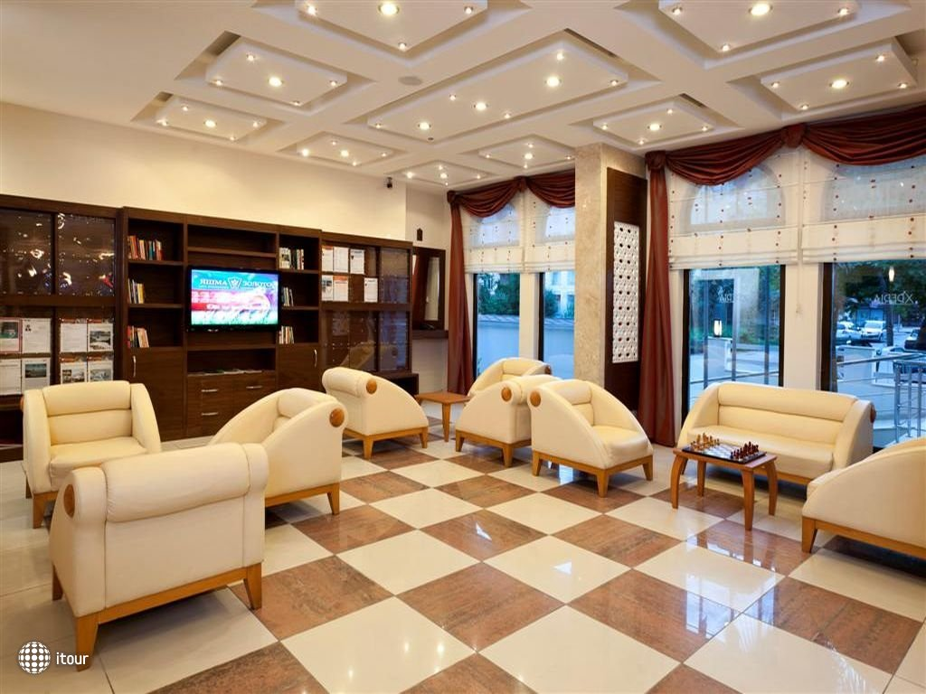 Xperia Kandelor Hotel 6