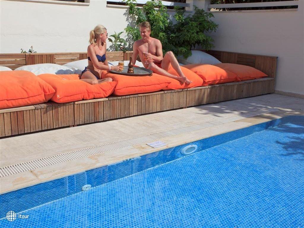 Xperia Kandelor Hotel 5