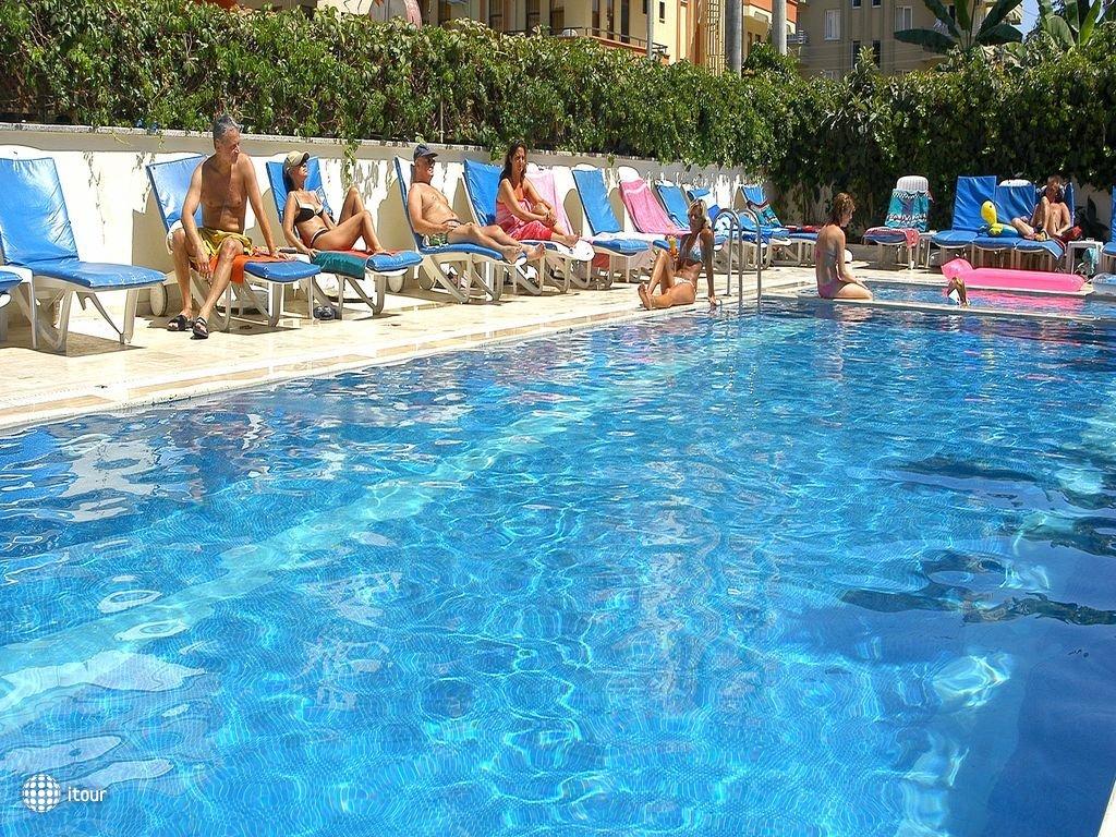 Xperia Kandelor Hotel 4
