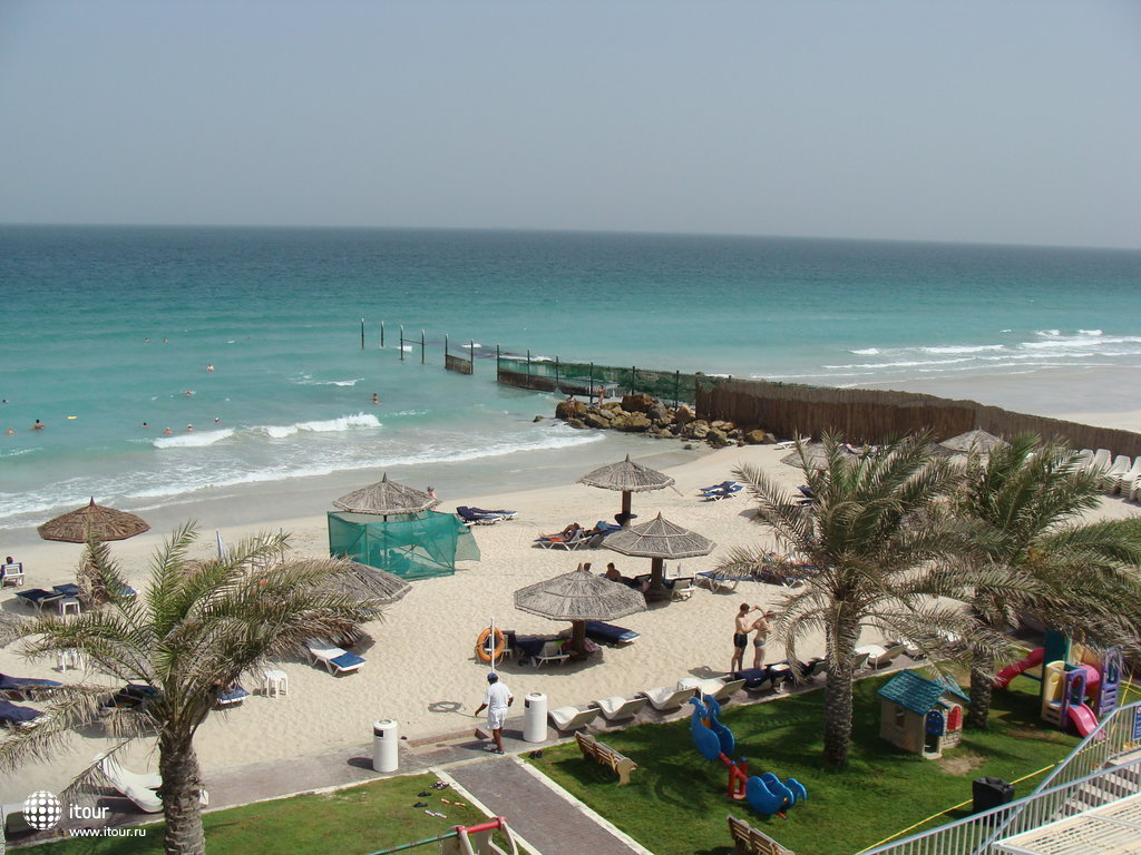 Beach Hotel Sharjah 8