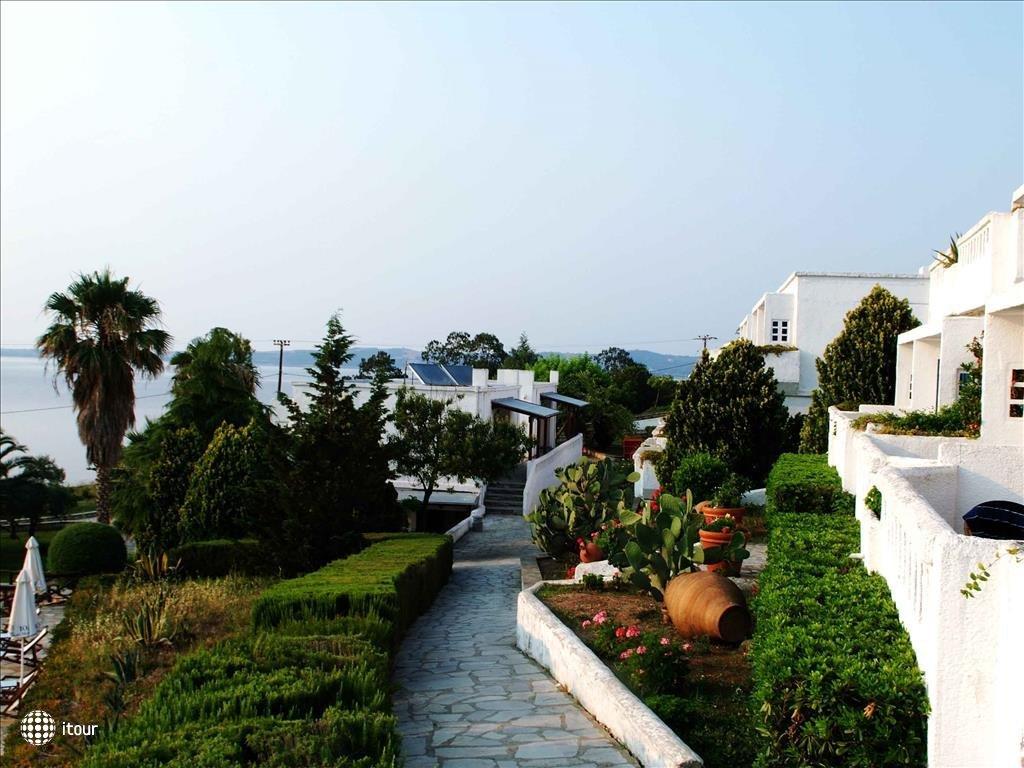 Отель в остров Элья у моря