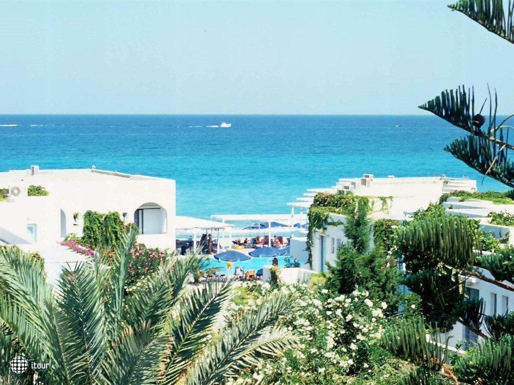 Adele Beach 1