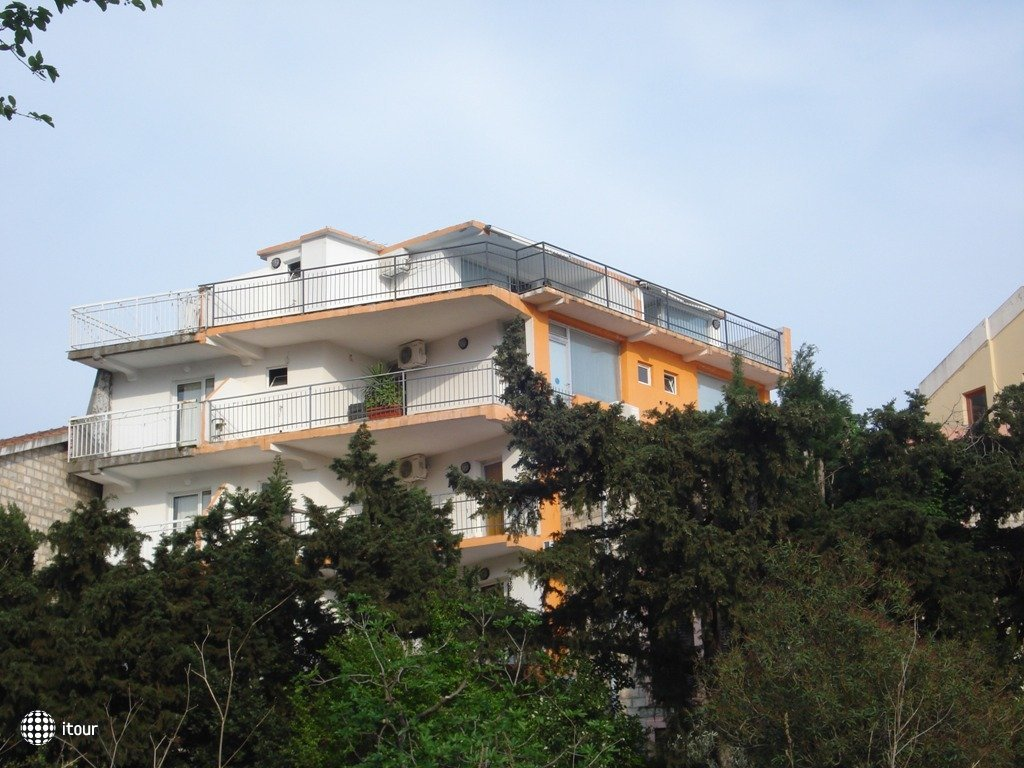 Slavuja Villa 1