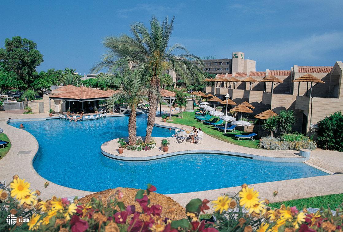 Palm Beach Hotel 4