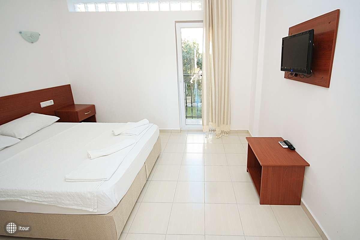 Kriss Hotel 5