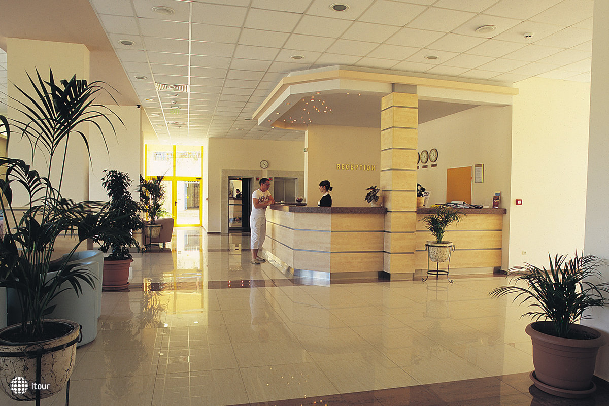 Continental Park Hotel 5