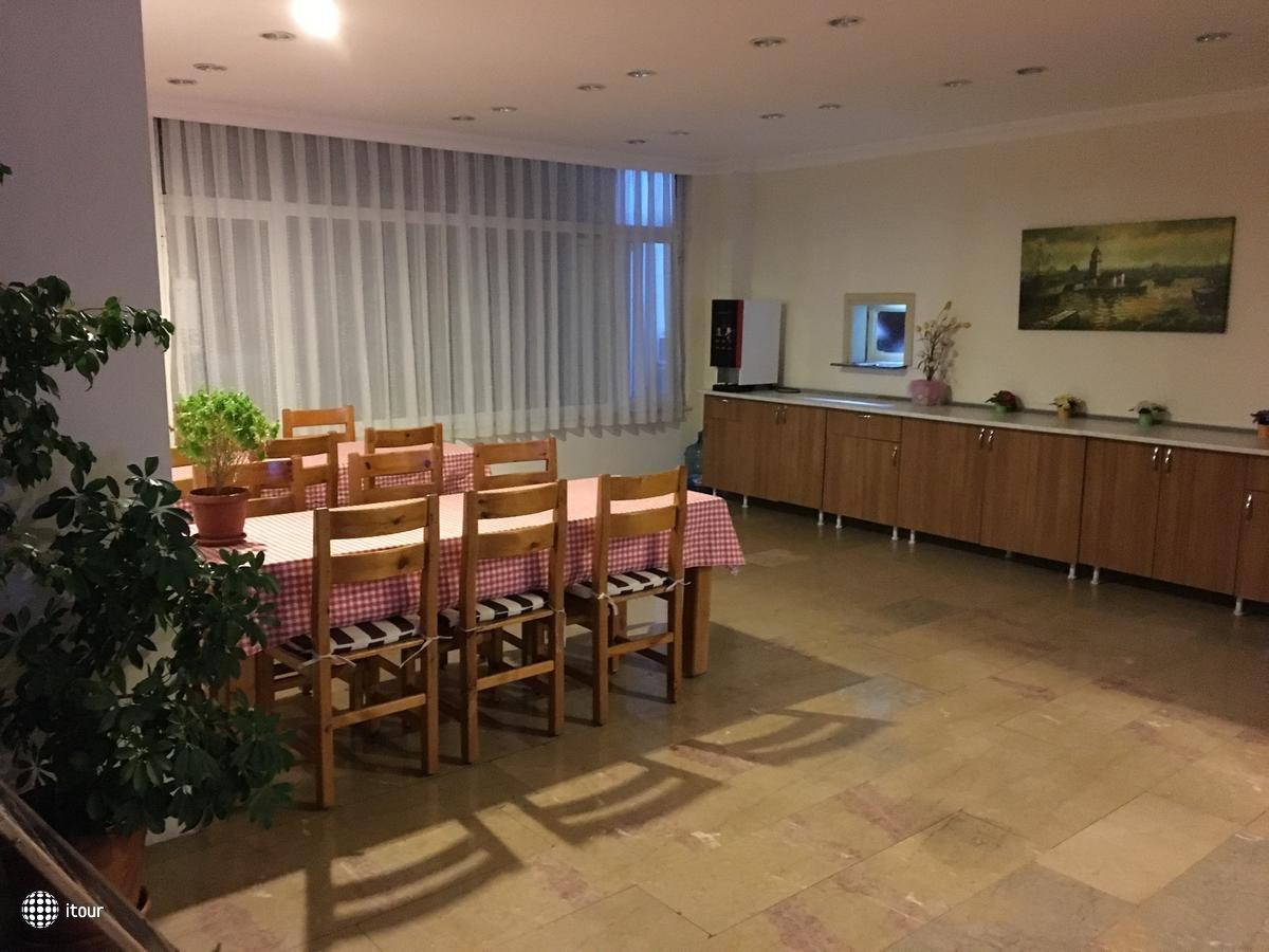Unver Hotel 6