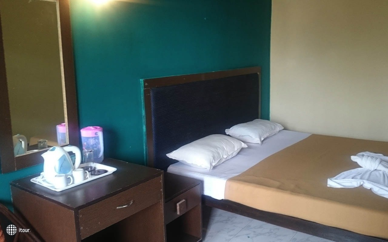 Royal Mirage Beach Resort 4