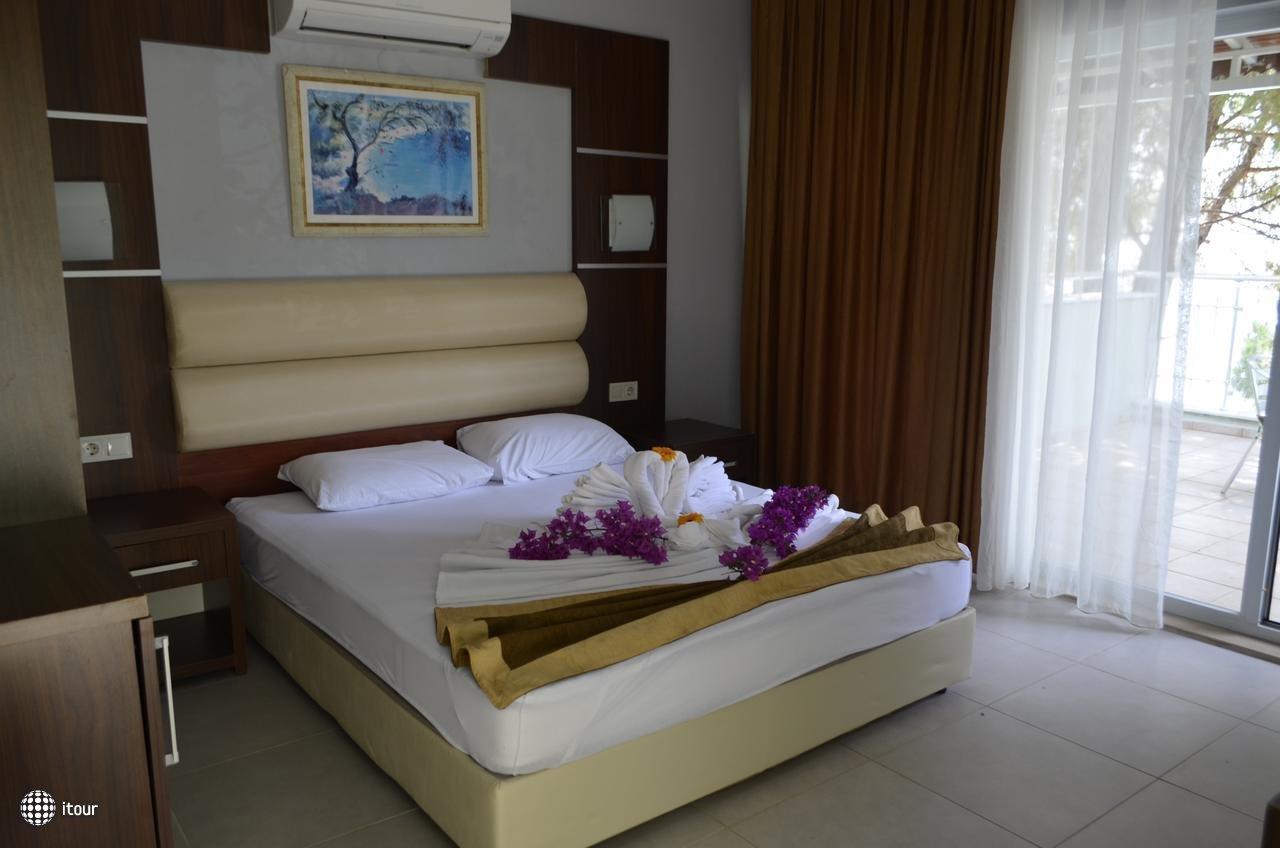 Pine Beach Hotel Turunc 10